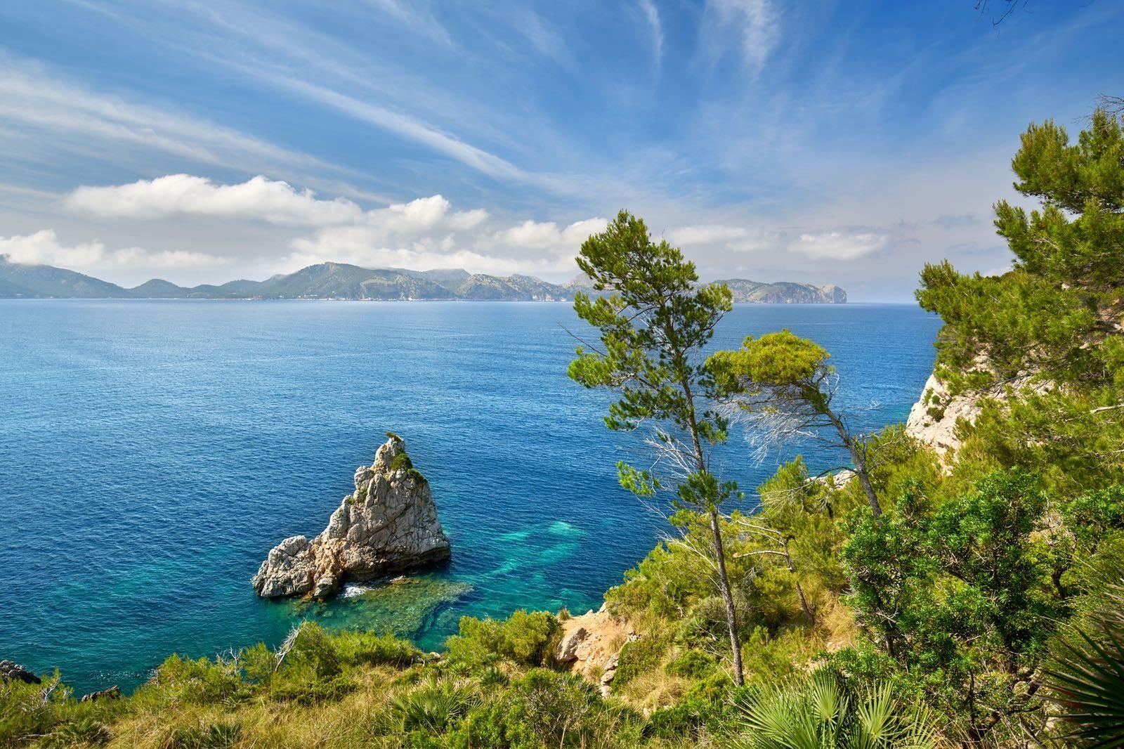 mallorca coast line
